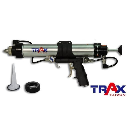 TRAX ARX-2033MC [三合一氣動式萬用噴膠槍底盤膠防鏽膠接合封膠硬膠管軟膠包] 1 - 適用於各廠牌高黏度硬膠管及軟膠包。 前方藍色調整閥控制噴膠霧化程度,後方針閥可微調出膠量,好控制、好操作,可減少不必要之浪費。 輕量化人體工學設計,操作更為輕鬆,降低疲勞感。 附噴塗噴頭及封膠膠嘴,大範圍噴膠、小範圍封膠均適用。 附洩壓閥,當扳機鬆開時可洩除管內壓力,必免封膠因管壓持續洩漏,節省封膠用量。 適用於鈑金焊接後之防鏽膠噴塗、接合封膠噴塗,底盤防撞防鏽漆噴塗等。