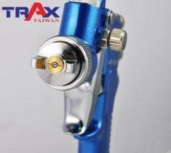 ARX-FR200[專業級重力式H.V.L.P低壓高流量小修補氣動噴漆槍] 6 - *完美平衡精密機械加工、極輕量化及強韌結構總成。 *H.V.L.P低壓高流量噴槍,低壓環境就可將漆料高度霧化,耗氣量低並減少漆料浪費。 *鋁合金鑄模槍身,兩段式扳機,易操作控制,減少失誤。 *噴頭及噴針均為不銹鋼製造,可用於水性漆料。 *噴塗範圍大小及漆料流量均可控制。 *附漆料過濾器有效提升施工品質。 *適用於鈑金噴漆、補漆,木工裝潢小範圍精密噴塗!