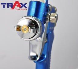 ARX-FR200[專業級重力式H.V.L.P低壓高流量小修補氣動噴漆槍] 3 - *完美平衡精密機械加工、極輕量化及強韌結構總成。 *H.V.L.P低壓高流量噴槍,低壓環境就可將漆料高度霧化,耗氣量低並減少漆料浪費。 *鋁合金鑄模槍身,兩段式扳機,易操作控制,減少失誤。 *噴頭及噴針均為不銹鋼製造,可用於水性漆料。 *噴塗範圍大小及漆料流量均可控制。 *附漆料過濾器有效提升施工品質。 *適用於鈑金噴漆、補漆,木工裝潢小範圍精密噴塗!