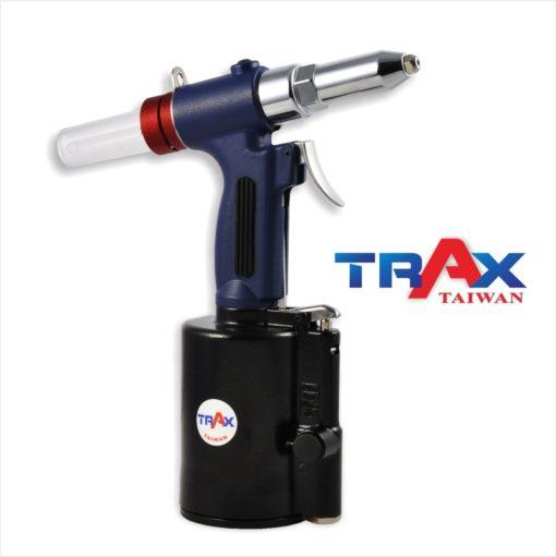 "ARX-200NS 氣動拉釘機 4.0/3.2/2.4mm 2 - <div>2,299 lbf瞬間液壓大拉力,拉釘斷面漂亮,鉚合力強!</div> <div>1. 5kg輕量化機身</div> <div>人體工學防滑手柄</div> <div>輕鬆壓短版機好握,好操作!</div> <div>L型活動接頭,輕鬆工作不斷氣</div> <div>可拉4.8mm(3/16"")不銹鋼釘</div> <div></div>"