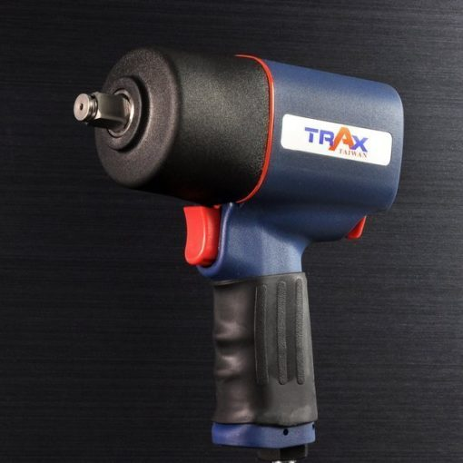 ARX-660 [1/2英吋4分雙環錘擊式塑鋼輕量化大扭力氣動扳手] 2 - 全新剛性結構設計,有效延長適用壽命,降低漏氣扭力降低之可能性! 1.9kg超輕量化塑鋼本體 ,人體工學握把,長時間使用也不易手酸! 雙環錘擊式驅動,爆發平順800 ft-lbf大扭力。 鍛造鐵管汽缸 ,耐磨性佳;鋁合金前後蓋經高硬度表面處理,壽命更耐久! 單手操作3段正轉1段反轉開關設計,輕鬆調整扭力! 汽車修護、重機維修組裝、大型機具修護必備工具!