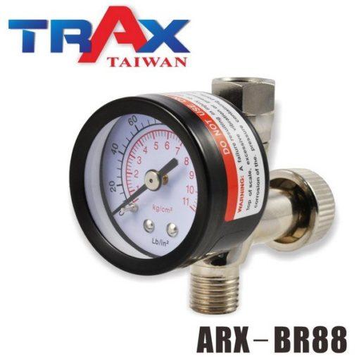 ARX-BR88 噴漆槍專用調壓閥附壓力表 5 - <div>149g調壓錶,結構耐用。</div> <div>雙刻度調壓閥,適用壓力區間值為: 0~160PSI、0~11kg/cm2</div> <div>錶面直徑42mm,輕鬆讀取氣壓值。</div> <div>高CP值調壓閥。</div> <div>360度轉向接頭,可將壓力錶調整至適合角度。</div> <div>精密針閥壓力閥,可快速及微調整壓力。</div> <div>玻璃錶面,可用溶劑擦拭,不霧化!</div> <div>氣動噴漆槍必備調壓閥,調壓時請按下板機後調整,以確認目前操作壓力。</div>